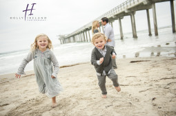 fun family photo ideas at the beach in San Diego