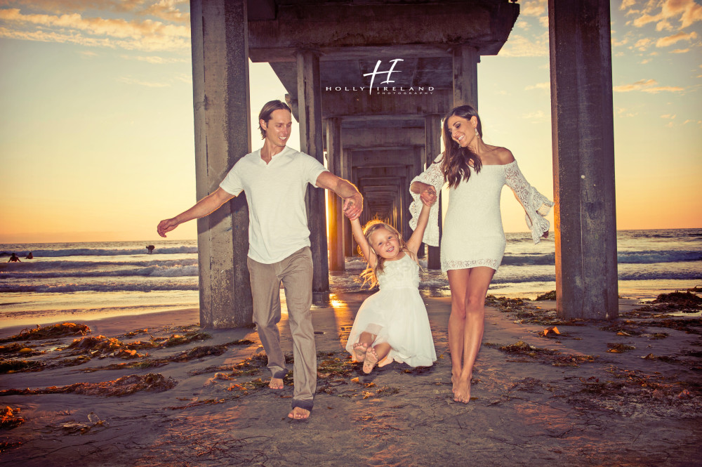 Sunset la jolla scripps pier family photos by holly ireland photography